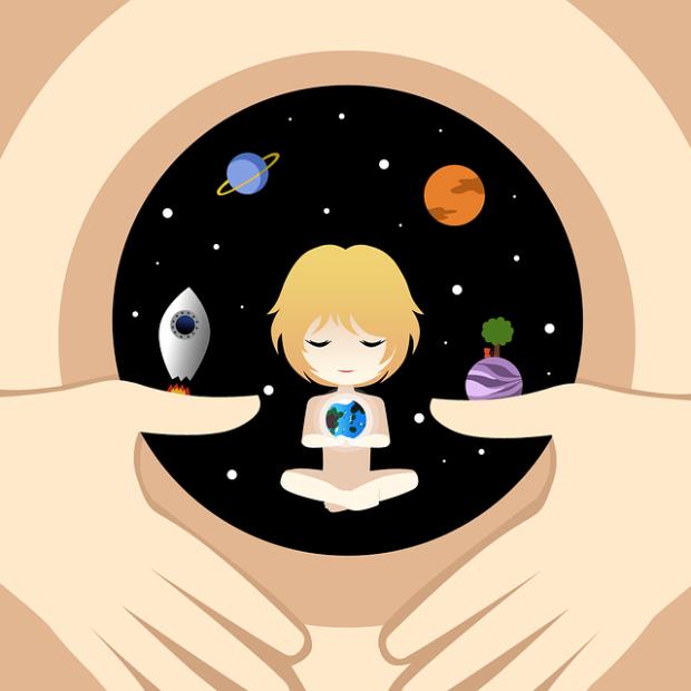 Ilustración de un útero que contiene en sí un universo y una niña interior.