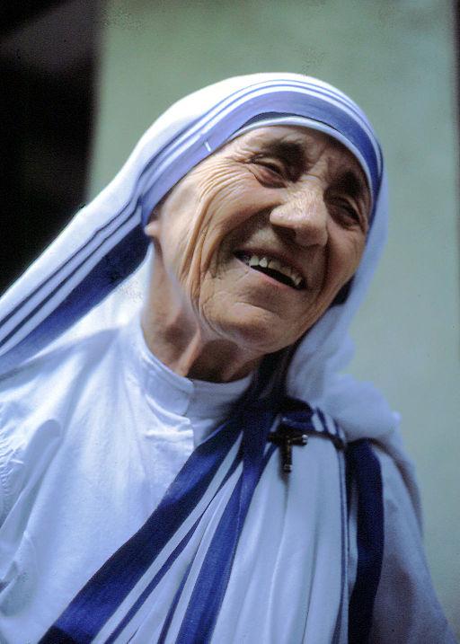 El rol del salvador nos recuerda a la Madre Teresa