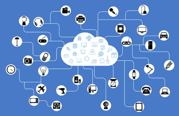 La imagen muestra una red de dispositivos y elementos conectada con una nube de información