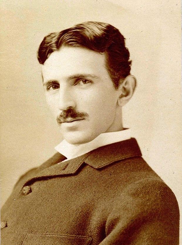 Retrato fotográfico de Nikola Tesla, uno de mis marcianos queridos
