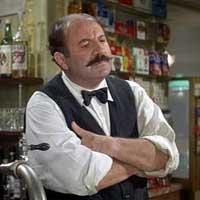 Camarero Moustache, personaje de la película Irma la dulce